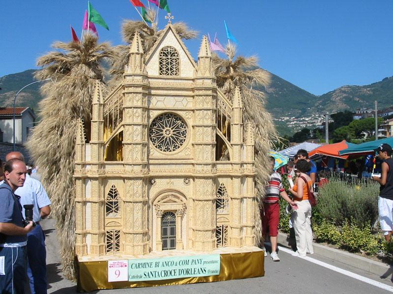 Foglianise_festa_del_grano_-_cattedrale_di_Santa_Croce_d'Orleans